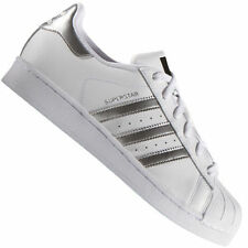 Baskets Superstar blanches adidas pour homme