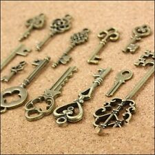 Old Look Decorations Bronze Metal Key Pendant Accessaries Charms Vintage