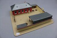 Y1090 Jouef 1012 maquette train Ho 1:87 Ecole cours recréation preau assemblé