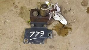 Front Auxiliary Pressure Release Valve 6678150- Bobcat 773