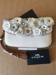 NWT 58181 Chalk Coach Clutch in Glovetanned Leather with Tea Rose Applique
