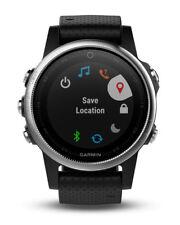 Garmin Fenix 5S mit silbernem Geh�use und schwarzem Armband GPS Multisport Uhr