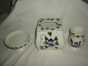 WAVERLY 3 Piece Garden Room SWEET VIOLETS Ceramic Tissue Cover Tumbler Soap Dish