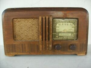 PACKARD BELL RARE MODEL 5F-DL WOOD TABLE RADIO FOR PARTS OR RESTORE
