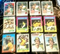 Rollie Fingers Topps A's 1972, 1973, 1974, 1975, 1976, Padres 1977 (12) Card lot