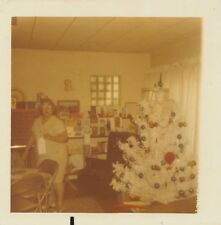 WOMAN w/ WHITE ARTIFICIAL CHRISTMAS TREE CARD TABLE DECORATIONS VTG 1960s PHOTO