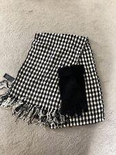 Ladies Scarf & Gloves Set Black & White BNWOT