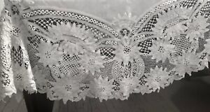 Edwardian Hand Made Elaborate Royal Battenberg Lace White Round Tablecloth 65""