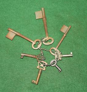 Lof of (7) Seven Assorted Antique Vintage Old Skeleton Keys Inv#GS128