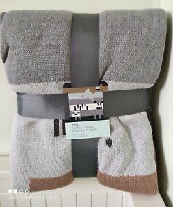 Mono animal knitted throw/Blanket,next,bn