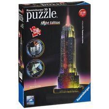 Puzzle e rompicapi multicolore in plastica sul Arte