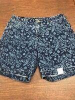 LEE Women's Mid Rise Regular Chino Walk Short  Size 6m Blue Veil Denim Floral