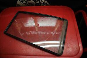 91-98 Suzuki Sidekick Driver Left Rear Door Vent Glass 4 Door Model