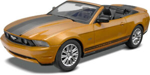 '2010 Ford Mustang Convertibl SnapTite 1:25 # Revell 11963