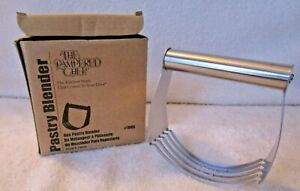 New in box #1680 Pampered Chef Pastry Blender Dough Blender Make flakey crusts
