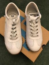 WHITE LADIES KENNETH COLE REACTION TRAINERS SIZE UK4 (US 6.5) BNIB