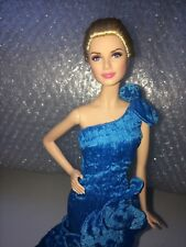 Grace Kelly Barbie Doll réparées dans T.D Fashion Handmade Robe