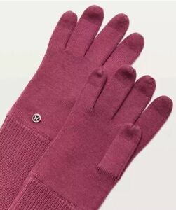 LULULEMON Knit GLOVES Size: EXTRA SMALL / SMALL New SHIP FREE Scroll On Merlot