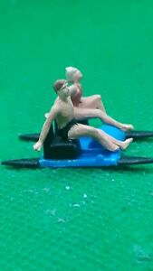 preiser ho/00 figures/people Handpainted  2 bathers on a pedalo