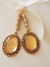 A Double Bridal Wedding Bouquet Charm Oval Gold Locket,glass covers, gold pearls