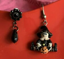 Gothic Spooky Halloween Onyx Bling Set of 2 Mismatched Earrings Witch ❤️tb5m