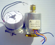 LOT OF 2 DIFFERENT SMALL MOTORS, (1 LOW RPM +1 HIGH RPM) 115V, 60HZ, 2.7W, RPM40