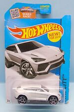 2660 HOT WHEELS / CARTE US / HW CITY 2013 / LAMBORGHINI URUS BLANCHE 1/64