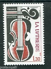 FRANCE 1979 timbre 2072, Métiers, La Lutherie, neuf**