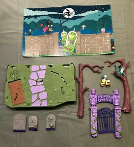 Playmates Simpsons Springfield WOS Treehouse of Horror 1 playset only. Halloween