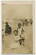 BP446 Carte Photo vintage card RPPC groupe beach plage femme enfant Grau du Roi
