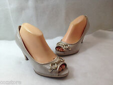 AK Anne Klein Shimmering Gold Fabric Peep Toe Pumps Horsebit Shoes Size 8 M