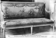 CPA Musée Arts Décoratifs - Canapé Recouvert de Tapisserie d'Aubusson (XVIIIe)