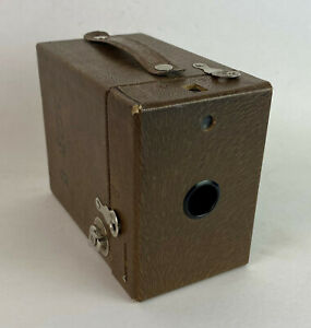 KODAK RAINBOW HAWK-EYE No 2 MODEL C 1930s box camera brown