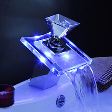 Beleuchteter Glas LED Wasserhahn Bad Armatur Wasserfall Waschtisch Armatur Edel