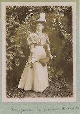 Portrait d'une jeune femme. Chapeau. Mode. Citrate 1896.