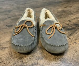 Women's Size 7 Gray Pewter UGG Moccasins Slippers 5612 Suede Sheepskin Dakota