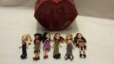 Lil Bratz Lips Case + 6 Dolls Lot - Extra Clothes - Vintage Lil' Bratz Lot