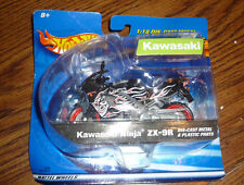 Hot Wheels 1:18 Die-Cast Metal Black Kawasaki Ninja ZX-9R Motorcycle – Brand New