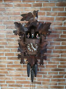 VINTAGE German Cuckoo Clock, Edelweiss Der frohliche Wanderer, Swiss movement.