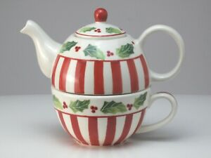 Christmas Holly Stacked Teapot & Cup Set