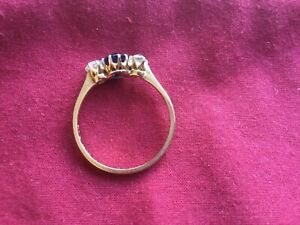 Attractive PT & 18ct gold larger blue sapphire & 2 diamond ring (UK size Q-R)