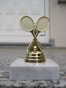 "PP1378 Tennis Figur  Pokale inkl Gravur Pokal  "" RESTPOSTEN """