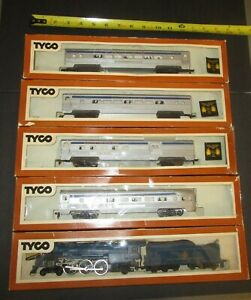TYCO/MANTUA HO THE ROYAL BLUE 4-6-2 STEAM LOCO & TENDER/4 LIGHTED CARS -BOXES