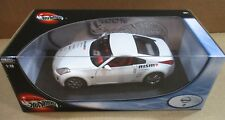 Hot Wheels Nissan 350 Z White Car Die-Cast Metal 1:18 Scale! NEW Stock # C7529