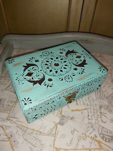 TRADITIONALLY HAND PAINTED MANGO WOOD BOX FROM INDIA