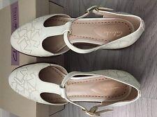 Clarks women's shoes size 6