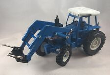 Ertl Big Farm Ford 8630 Tractor with Lifting Arm 1/32 Scale