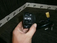 SUZUKI AN400 AN 400 K1 Burgman 01 2001 switch gear LHS