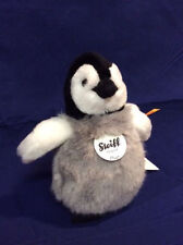 Flaps Baby Penguin with FREE gift box by Steiff EAN 057090