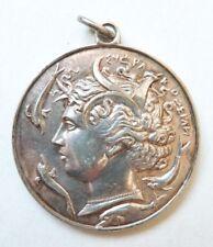 Médaille pendentif en métal argenté grec grecque Greece